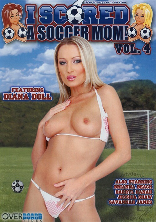 I Scored A Soccer Mom! Vol. 4