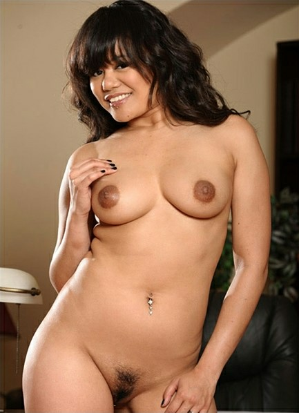 Annie Cruz Nude
