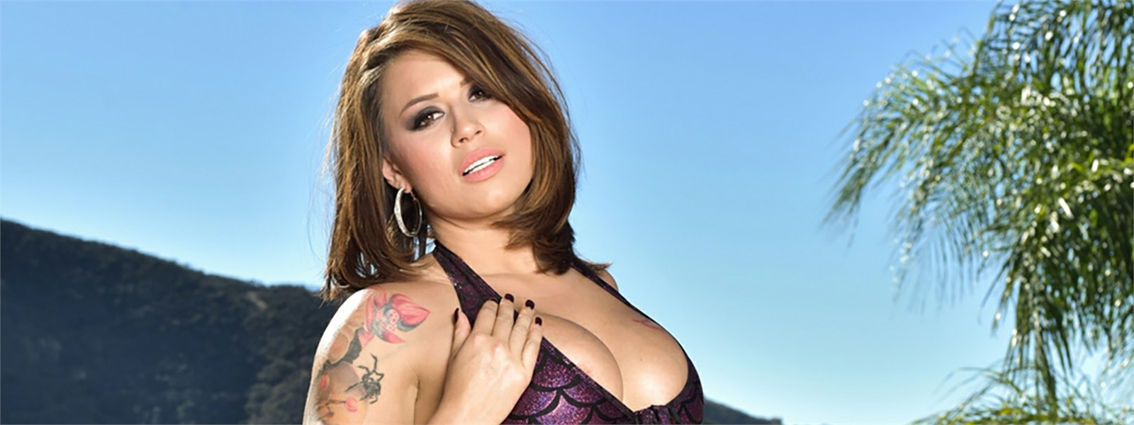 Eva Angelina Hero Image