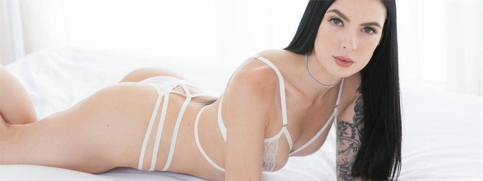 Marley Brinx pornstar