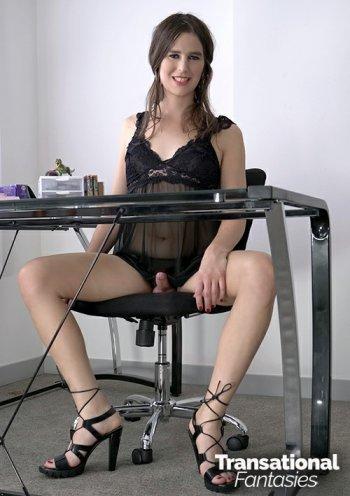 Simone Alyssa  Bodyshot